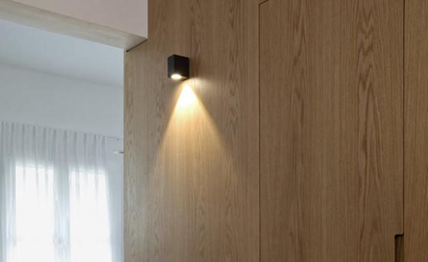 תמי פמפנל, דלת מקלחת גובה (צילום: הגר דופלט )