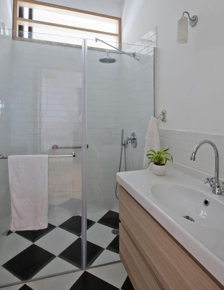 תמי פמפנל, מקלחת, גובה (צילום: הגר דופלט )