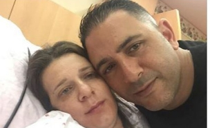 אבי לוי ואשתו אחרי הלידה (צילום: מתוך עמוד הפייסבוק של אבי לוי)