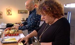 לאה שבת אצל פבלו רוזנברג (צילום: פבלו אוכל וחברים, ערוץ 24)