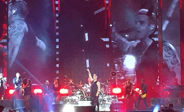 רובי על הבמה (צילום: אסף בינדר)