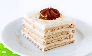 עוגת ביסקוויטים קרמל וגבינה (צילום: אולגה טוכשר, אוכל טוב)