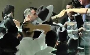 התקרית מחוץ לבית המשפט (צילום: חדשות2 , עופר חדד)