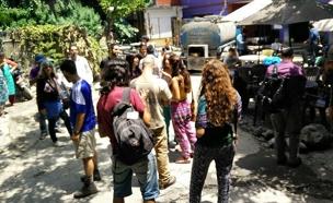 """ישראלים בנפאל, היום (צילום: בית חב""""ד, קטמנדו)"""