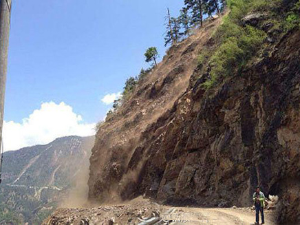 מעבר הגבול סין -נפאל אחרי רעש האדמה