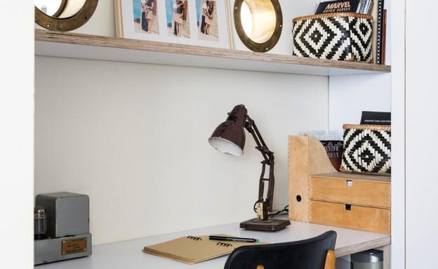 ליאת עברון, שולחן עבודה (5) (צילום: איתי בנית)