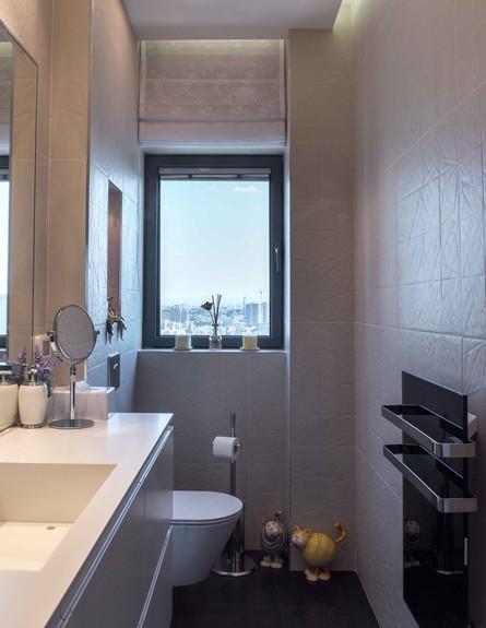 דירה במגדל דבליו, גובה, חדר רחצה (צילום: גלעד רדט)