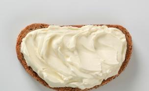 פרוסה עם גבינה (צילום: istockphoto)