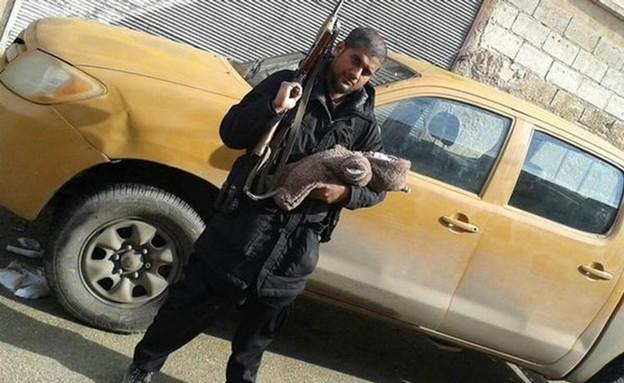 חוברת ההסברה של דאעש (צילום: חשבון הטוויטר של אבו רומייזה )