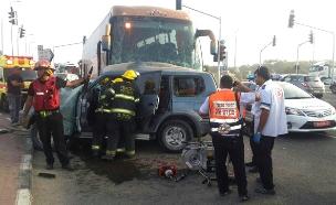 זירת התאונה, הבוקר (צילום: כיבוי והצלה)