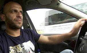 נהג המונית תאאיר ראגה (צילום: חדשות 2)