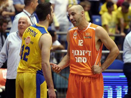 טפירו ואוחיון, במפגש הקודם בהיכל יוגב ניצח (אלן שיבר) (צילום: ספורט 5)