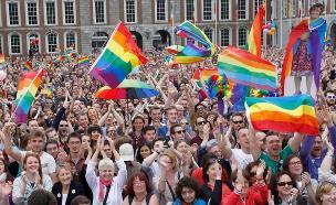 משאל עם באירלנד על נישואים גאים (צילום: ap)