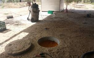 צפו בחשיפת המעבדה מתחת לאדמה (צילום: חטיבת דוברות המשטרה)