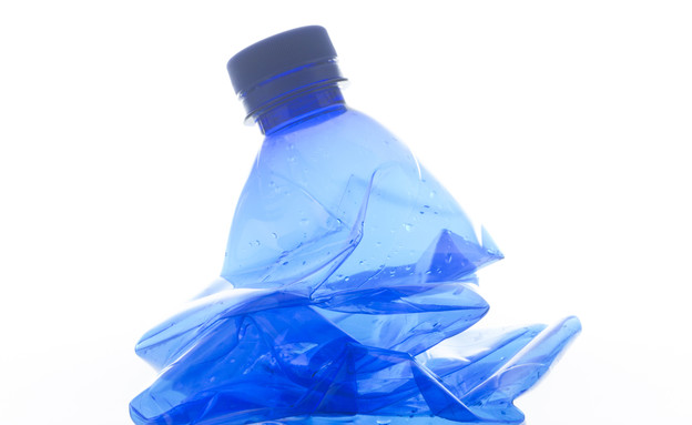 בקבוק מים מעוך (צילום: אימג'בנק / Thinkstock)