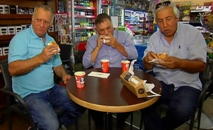 מבחן טעימה: ארוחה בחנות נוחות (צילום: חדשות 2)