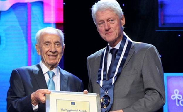 פרס וקלינטון בוועידת הנשיא, ארכיון (צילום: חן גלילי, ShiloPro)