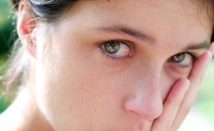 אישה עצובה (צילום: Martin Dimitrov, Istock)