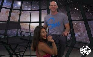 """ה""""סקסטרונאוטים"""" אווה לוביה וג'וני סינס (צילום: מתוך סרטון הקמפיין)"""