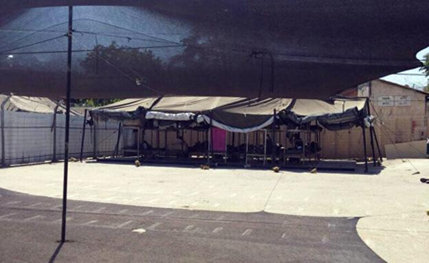 """כלואים בפלוגה בה ישנים באוהלים (צילום: דובר צה""""ל)"""
