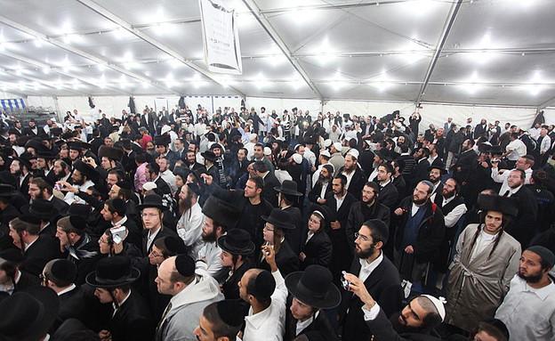 """נסיעה לאומן (צילום: מאיר אלפסי, האתר החרדי """"כיכר השבת"""")"""