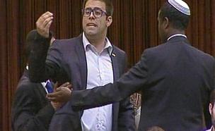צפו במהומה בכנסת (צילום: ערוץ הכנסת)