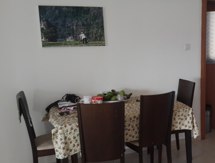 דקלה גלזר, פינת האוכל לפני, צילום ביתי (צילום: שירן כרמל)