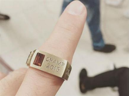 הטבעת כבר על האצבע (צילום: ספורט 5)