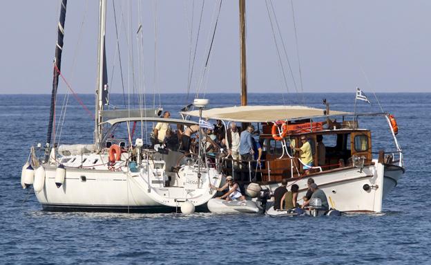 אחת הספינות בדרך לחופי עזה (צילום: ריוטרס)