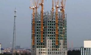 צפו: גורד שחקים נבנה ב-19 ימים (צילום: CNN)