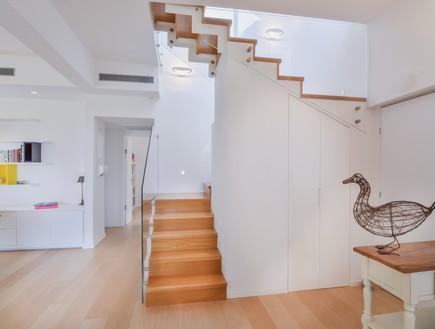 אסנת ברוקמן, מדרגות