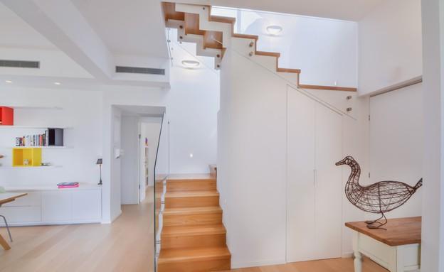 אסנת ברוקמן, מדרגות  (צילום: אילן לופו)