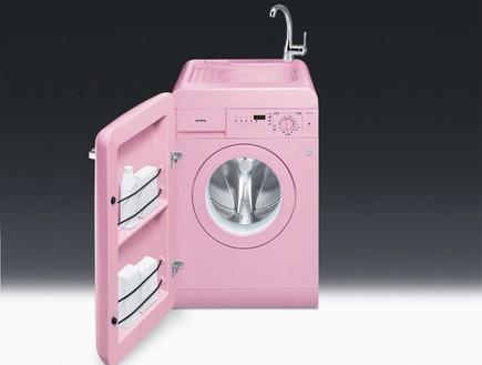 רטרו, מכונת כביסה ורודה של סמג עם ברז