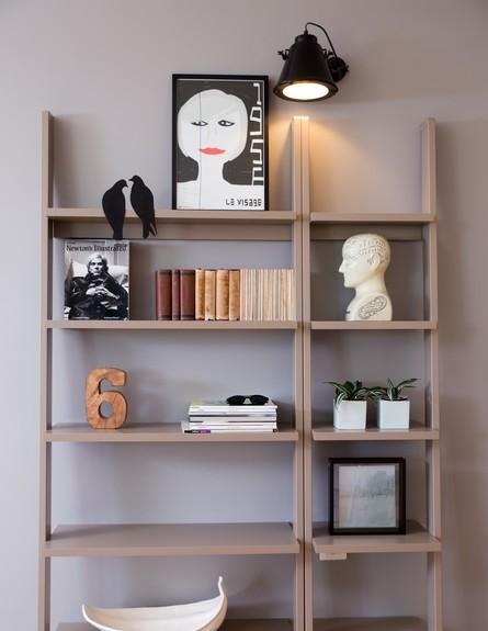 שירי הימן, גובה, ספרייה (צילום: לימור הרצוג אהרוני)