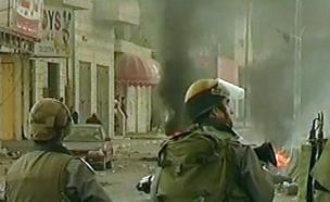 חיילים במחסום (צילום: חדשות 2)