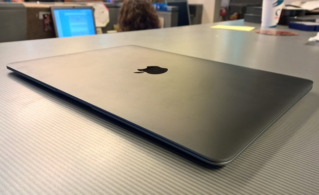 מחשב ה-MacBook 12 של אפל (צילום: יאיר מור, NEXTER)