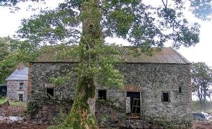 אסם באירלנד 1, האסם במצבו המקורי (צילום: Adam Currie)