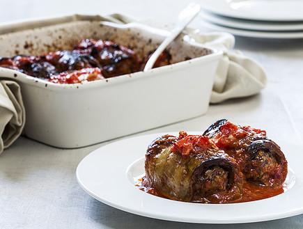 גלילות חצילים עם בשר ברוטב עגבניות