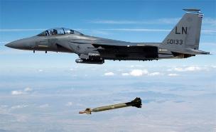 """פצצות חודרות בונקרים, בקרוב בצה""""ל? (צילום: רויטרס)"""