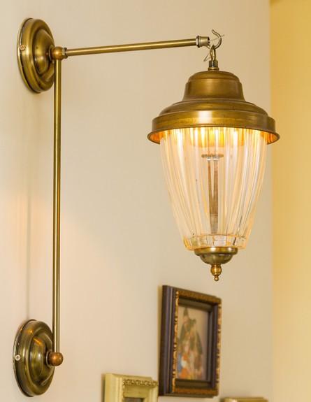עידית זכריה, גוף תאורה במסדרון (צילום: אודי גורן)
