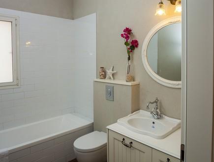 עידית זכריה, מקלחת ילדים (צילום: אודי גורן)