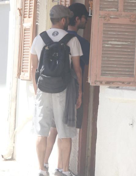 רן דנקר והחבר (צילום: רועי קסטרו)