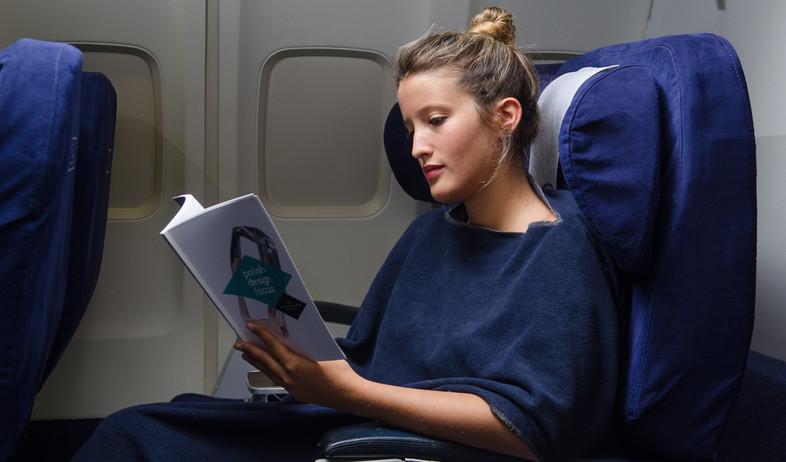 שמיכה מתלבשת לטיסה  (צילום: תומר יעקובסון)