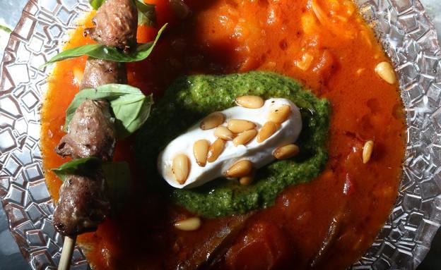 מרק עגבניות ושיפוד לבבות  (צילום: דניאל בר און, מאסטר שף)