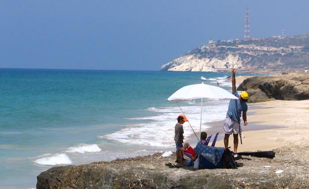 פסולת בים, לדוג (צילום: אילן מלסטר)