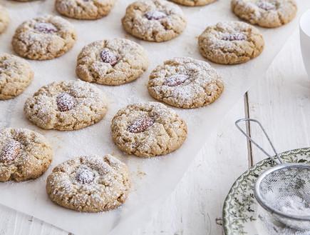 עוגיות טחינה ושקדים (צילום: אסף אמברם, אוכל טוב)