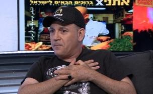 """זאב נחמה בראיון: """"אני חי חיים דו מיניים"""" (צילום: ערוץ 24)"""