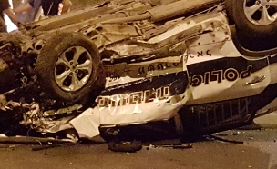 התנגשות רכב בניידת משטרה (צילום: חדשות 2)