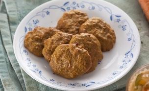 עוגיות גזר וטחינה (צילום: אפיק גבאי, אוכל עם ברק)