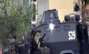 חילופי ירי מחוץ לקונסוליה האמריקאית באינסטנבול (צילום: חדשות 2)